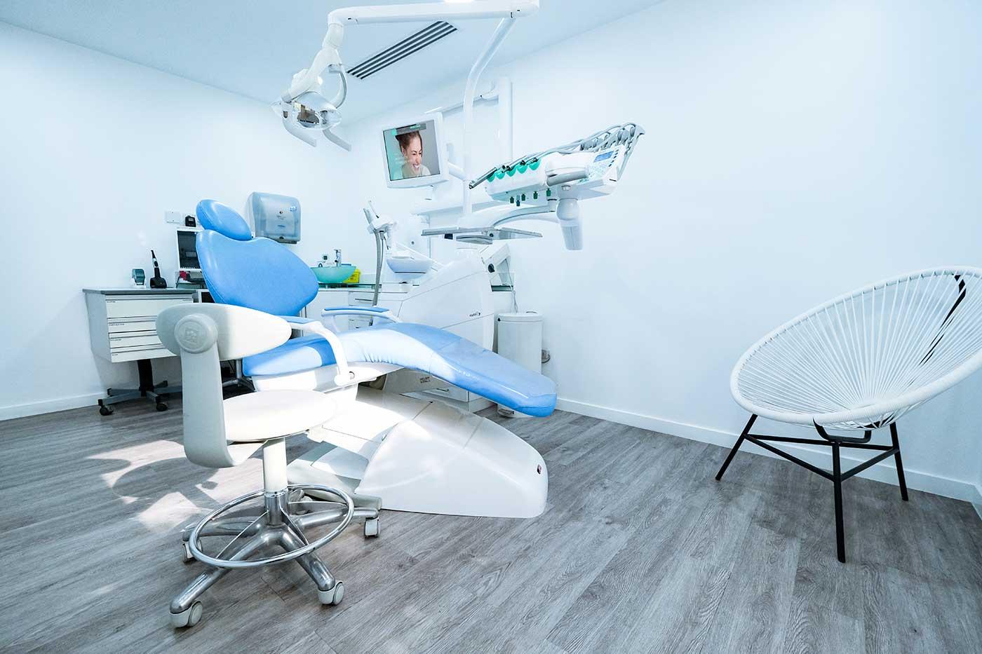 Dental Clinic in Umm Al Sheif